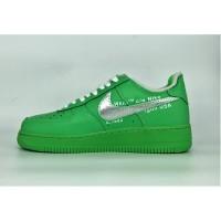 Зеленые кроссовки Найк