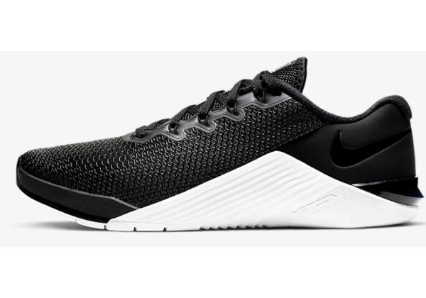 Кроссовки Nike Metcon 5 черно-белые