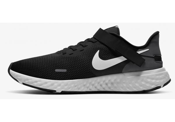 Кроссовки Nike Revolution 5 FlyEase черные