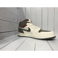 Кроссовки Nike Air Jordan серо-белые с красным