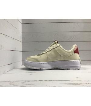 Кроссовки Nike Air Force бежевые с красным