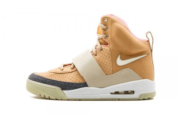 Кроссовки Nike Air Yeezy коричневые