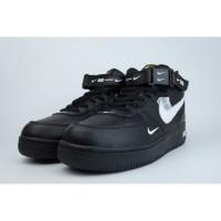 Зимние кроссовки Nike Air Force 1 Mid '07 LV8 Black черные с белым