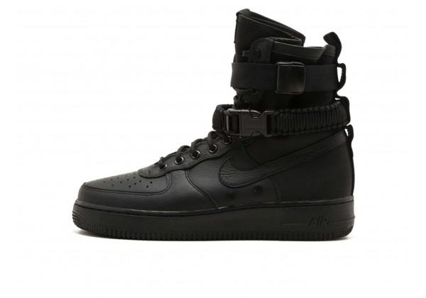 Зимние кроссовки Nike Air Force 1 SF Mid Triple Black черные
