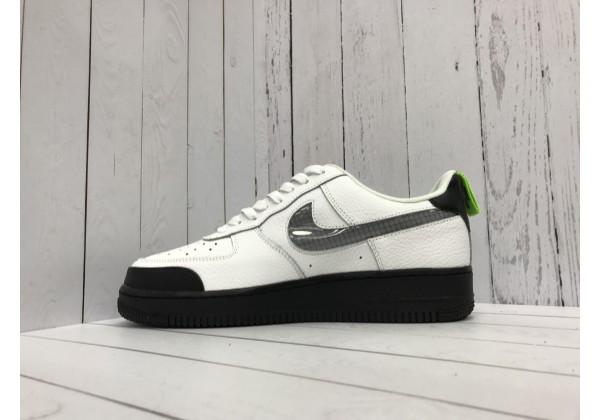 Кроссовки Nike Air Force с логотипом белые