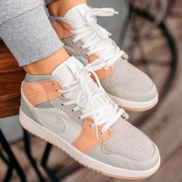 Женские кроссовки Nike Air Jordan 1 Mid Milan White Beige бело-бежевые